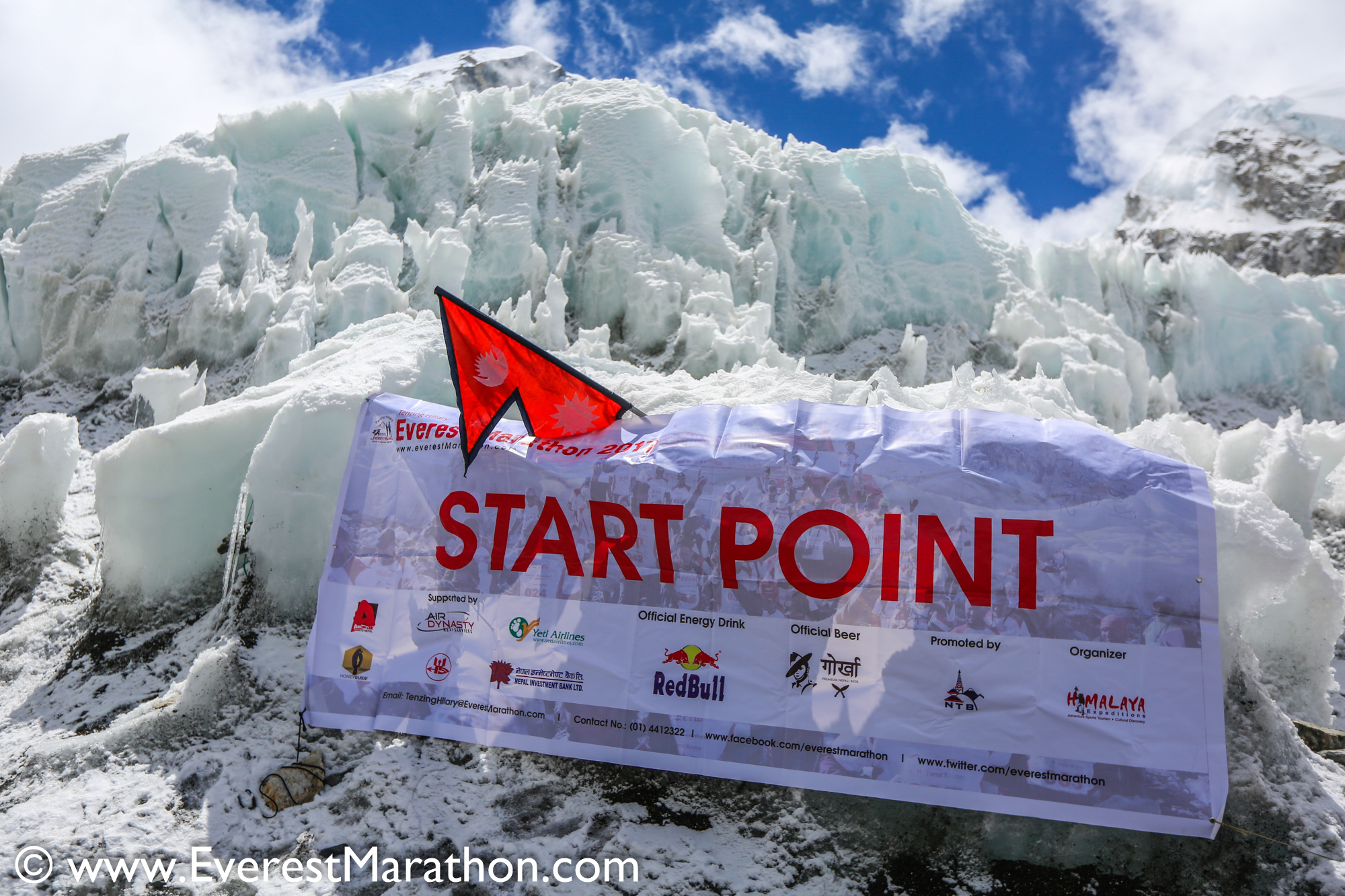 Am Start des Everest Marathons
