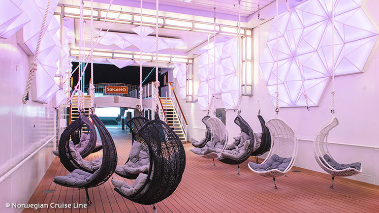 Norwegian Epic | Spice H20 Bar