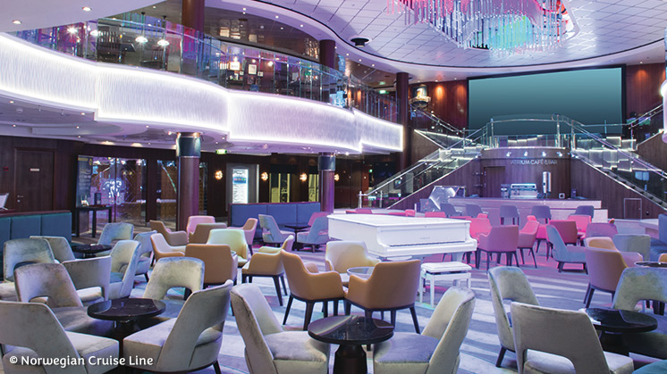 Norwegian Jewel | Atrium