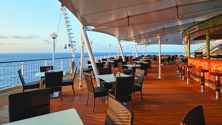 Norwegian Pearl | Deck