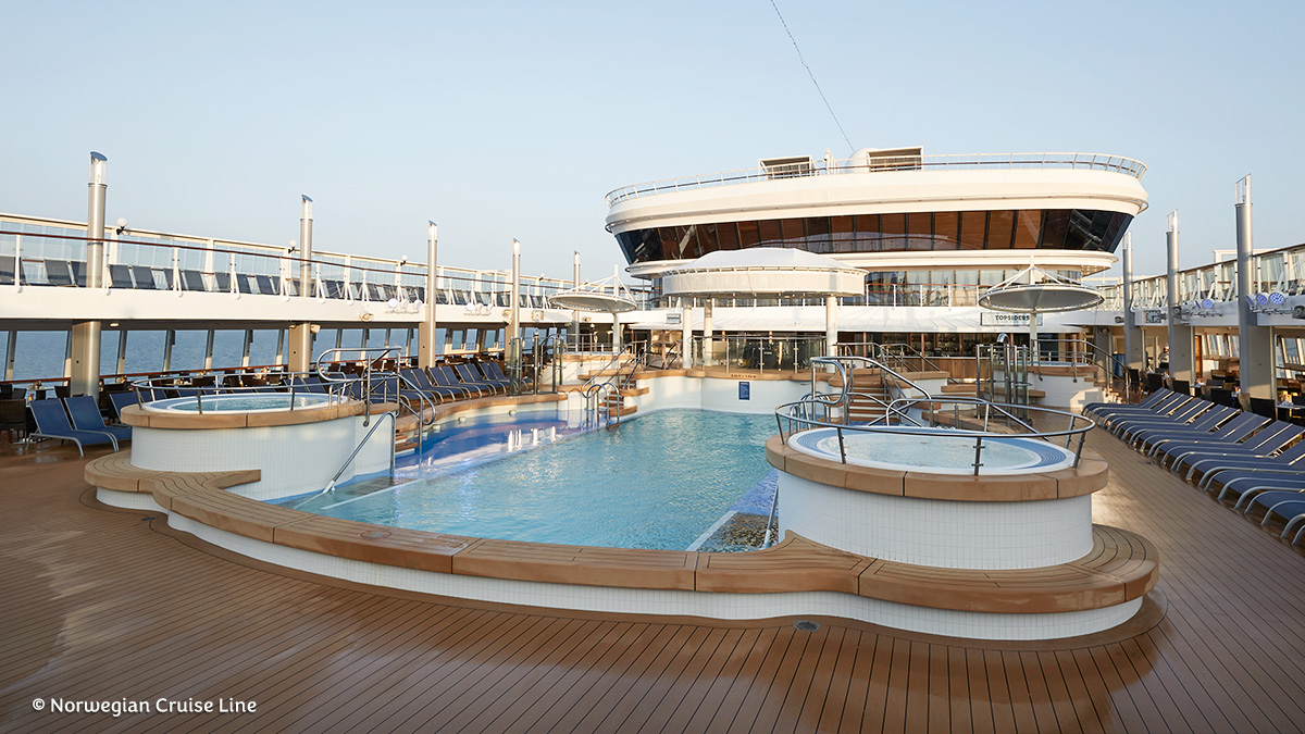 Norwegian Star | Pool